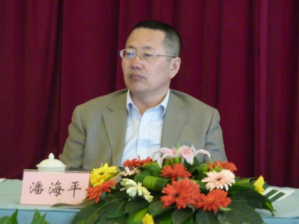 时任四川省农业厅总经济师潘海平调研我院科技成果转化情况